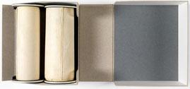 Le rouleau de parchemin dans sa boîte de protection. Paris, Arch. nat, J 413, n°18.
