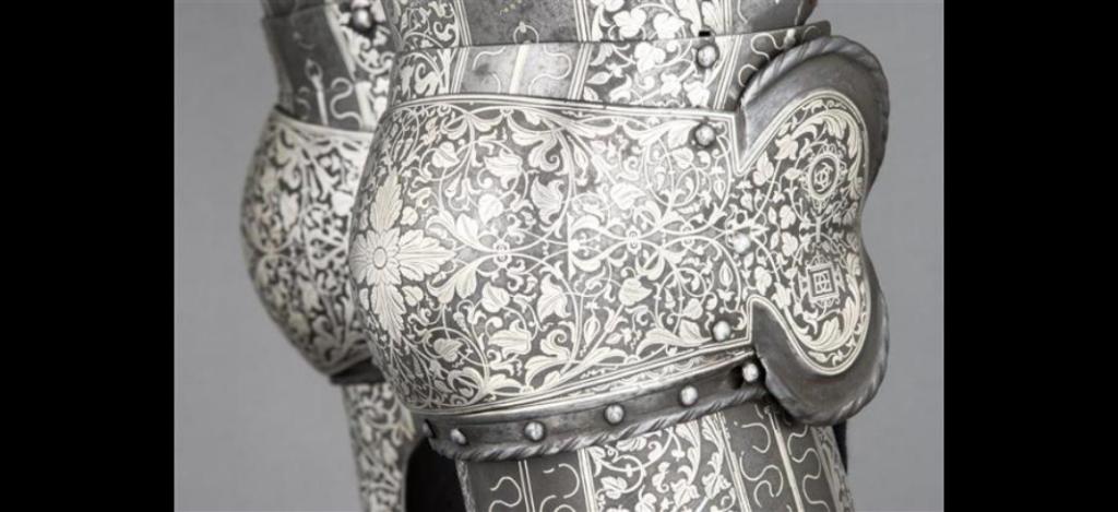 détail de genouillère armure Henri II - RMN