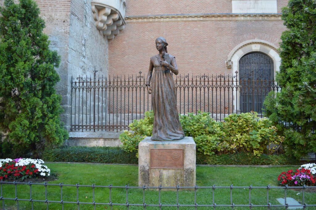 Statue de Catherine d'Aragon a Alcala de Henares