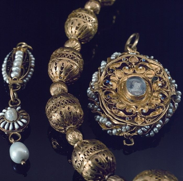 Bijoux de Marie Stuart © National Museums Scotland