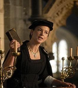 """Emma Stansfield, Anne Askew dans """"Les Tudors""""."""