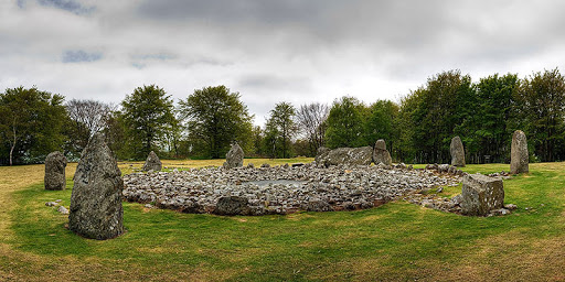 Loanhead-of-Daviot-Stone-Circle.j
